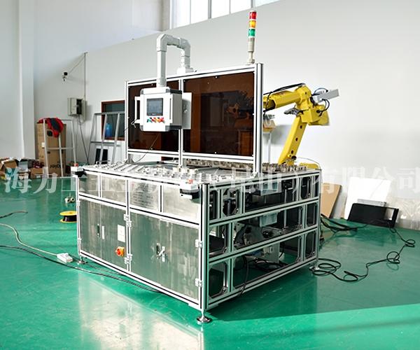 金属嵌件机器人上下料及注塑成型后的取放料